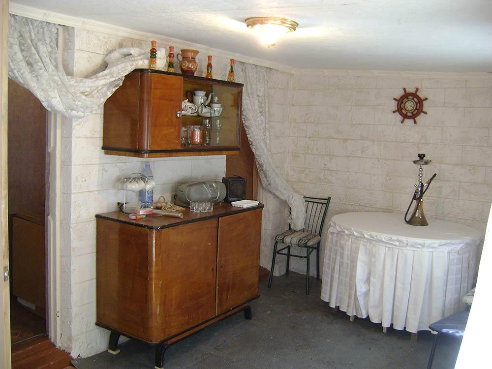 Стоимость проживания в домике $25 в сутки.