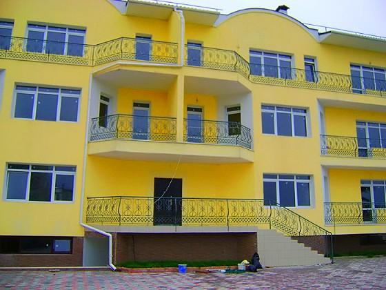 3-х этажный 12-ти квартирный дом в Ялте - Массандра
