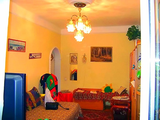 Высота потолков 2–х комнатной квартире «Сталинке» почти четыре метра!